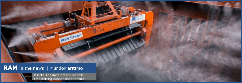 rotating spreader unloading minerals with avoiding dust plume