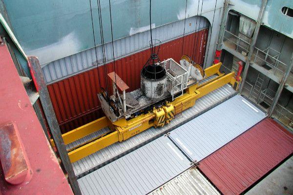 2900 - hydraulic spreader