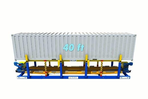 40ft container on twist lock handling machine - RAM Spreaders