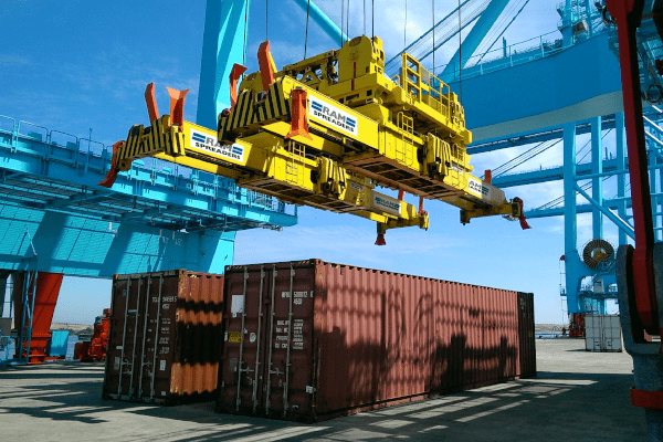 SingFlex landing on 2 x 40ft ISO containers