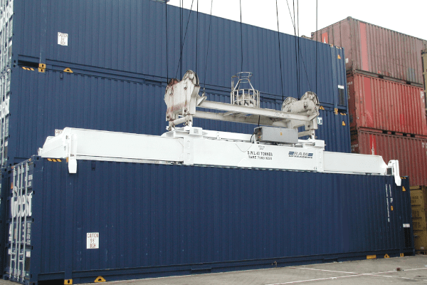 single lift spreader handling a 45ft container