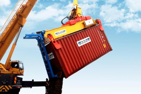 tilting spreader unloading bulk commodity
